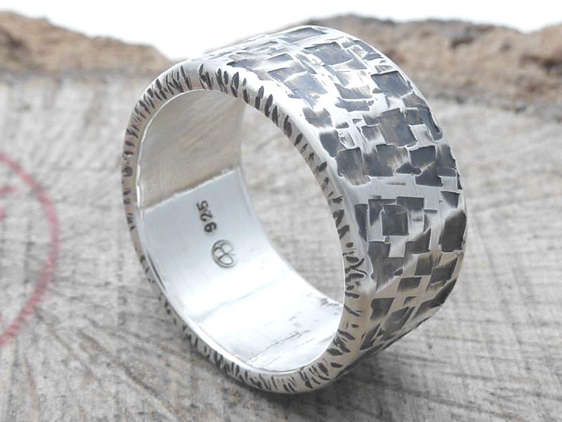 925 Silberring / Hammerschlagoptik / personalisierbar