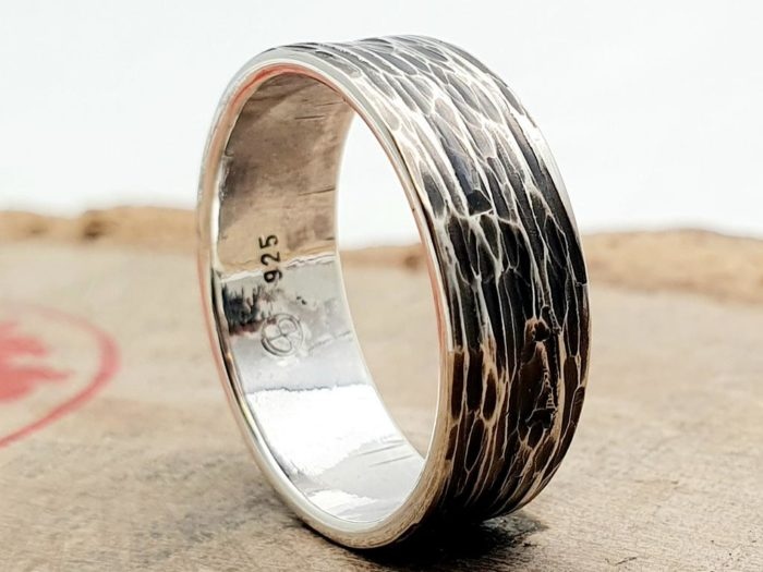 925er Silberring, gehämmert / Unisex / personalisierbar