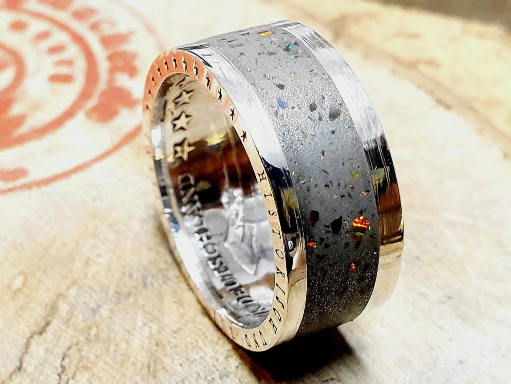 925er-Silber_-Muenzring-aus-10-DM-Muenze_-Inlay-mit-Opalsplitter_-