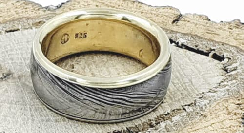 Damaszener Stahl Ring kombiniert mit Silber 14k teilvergoldet personalisierbar