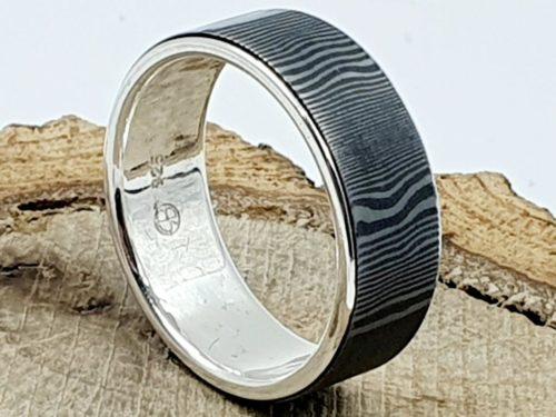 Damaszener Stahl Ring kombiniert mit massivem Silber / personalisierbar