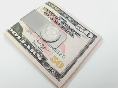 Geldklammer mit 50 Pfennig Münze