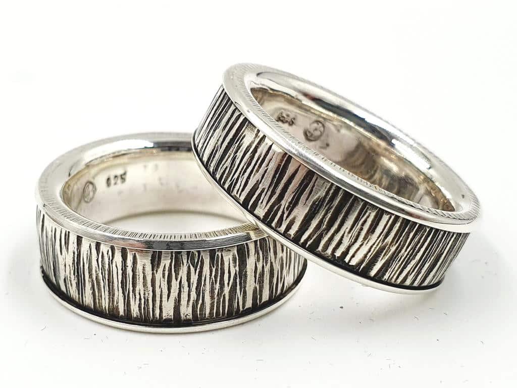 Partnerringe Eheringe Silber Hammerschlag mit personalisierte Gravur