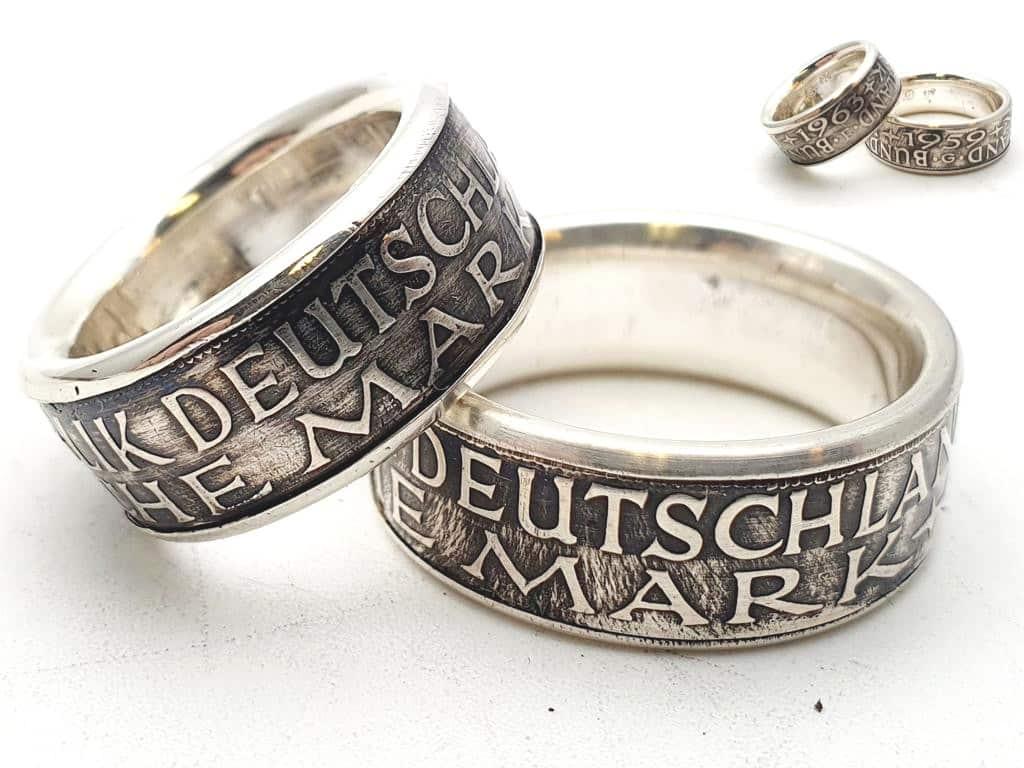 Partnerringe aus 5 DM Münze mit Wunschprägejahr 1951 bis 1974 kombiniert mit 925er Silber personalisierbar